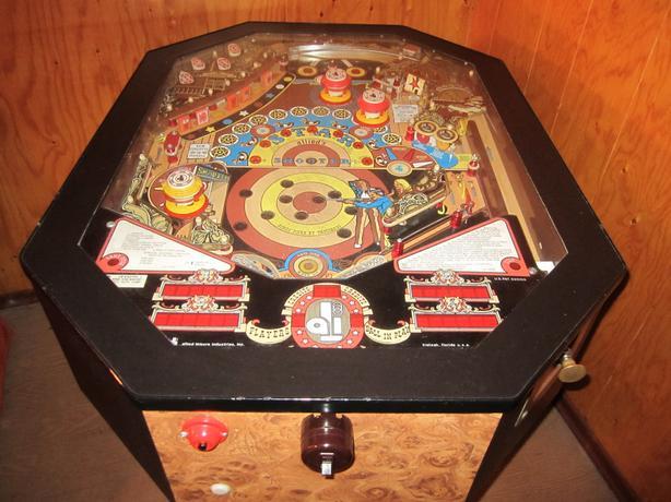 Classic 1979 Allied Leisure Star Shooter Pinball Machine