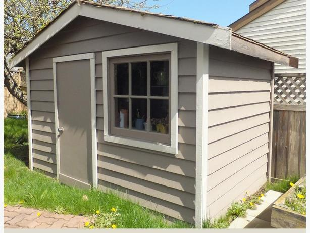 Garden shed free for the taking central saanich victoria for Garden shed victoria