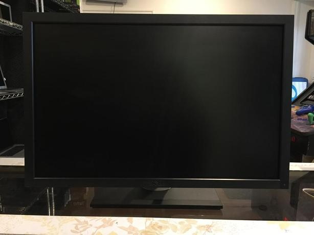 Dell U2711 High End Photo Editing LCD Monitor with Warranty!