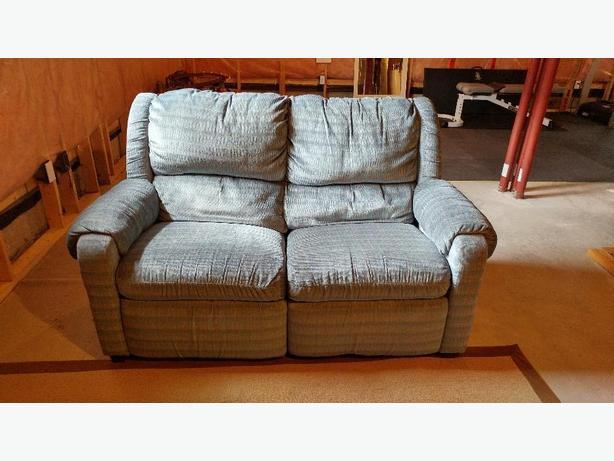 Dual Recliner Loveseat Couch Stittsville Ottawa
