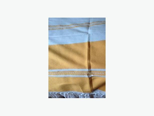 queen  yellow bedspread