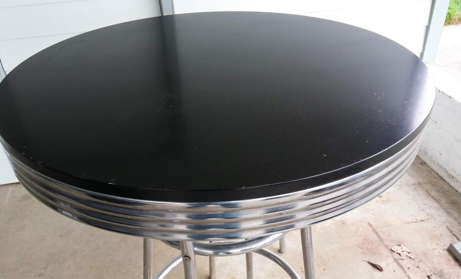 Circular Chrome Formica Tall table with 3 matching bar  : 59848879934 from www.usedvictoria.com size 934 x 565 jpeg 47kB