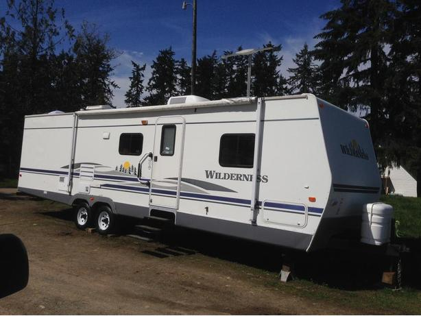 2006 Wilderness Fleetwood 31 Ft Travel Trailer With 2