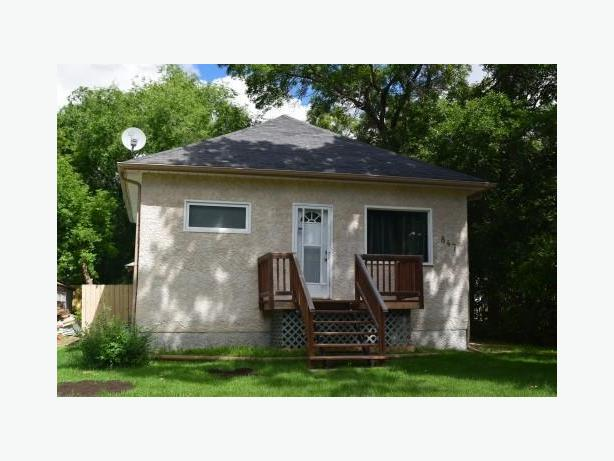 Charming 2 Bedroom Bungalow