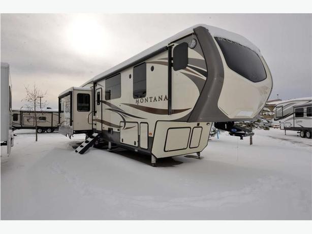 2017 KEYSTONE RV Montana 3810MS