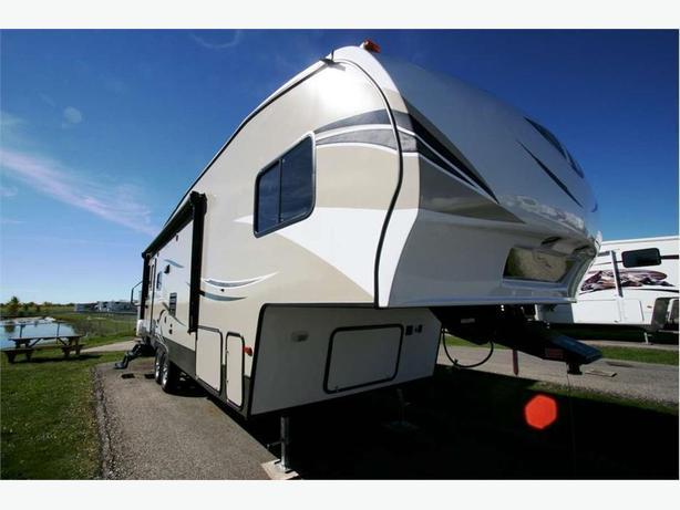 2017 KEYSTONE RV HIDEOUT 5W 276RLS