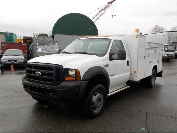 2006 Ford F-550 XL Regular Cab 2WD Diesel Dually Service Truck & Crane
