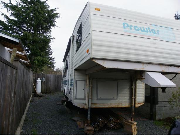 FREE 1993 2339 Prowler 5th Wheel West Shore LangfordColwood