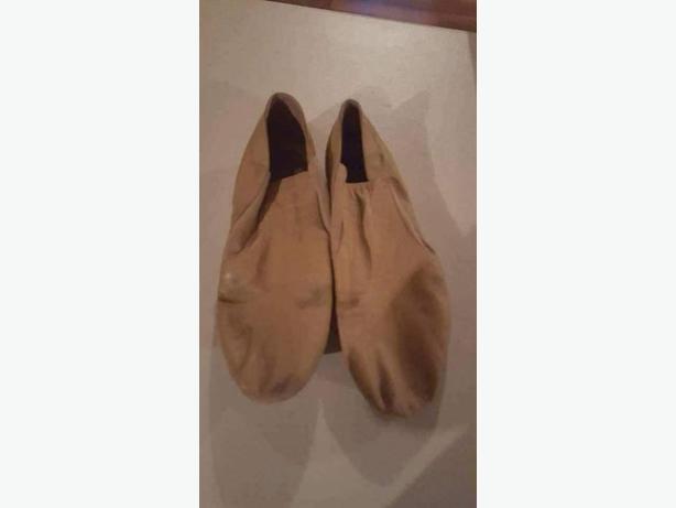 jazz shoes Capezio tan leather size 9.5