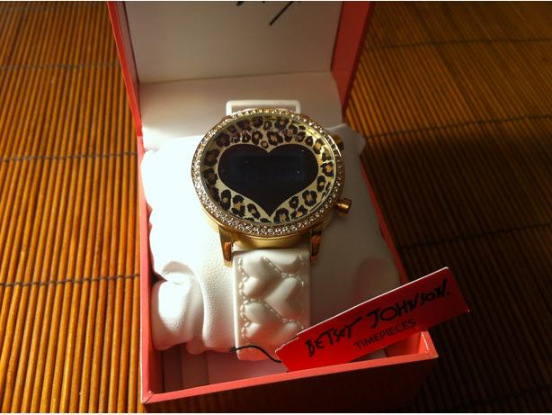 Watches Betsey Johnson, brand new,