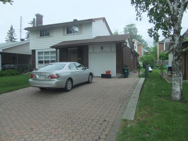 $1600 all in – 1100 ft2 basement condo in Alta Vista 2014 reno