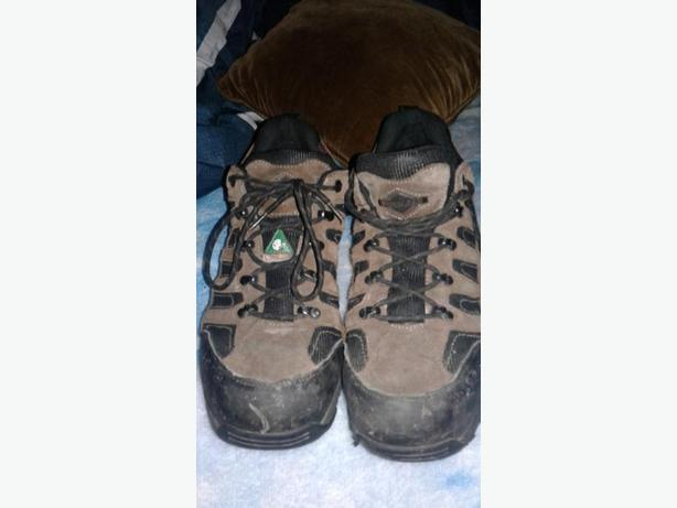 Steel toe safety shoes size 11