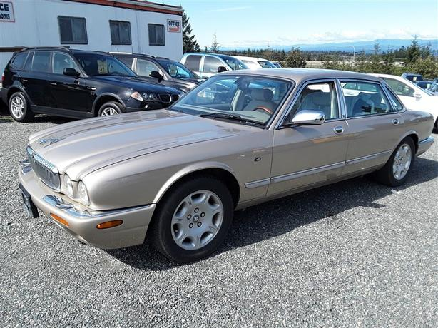 2001 Jaguar XJ8 - Auction - No Reserve