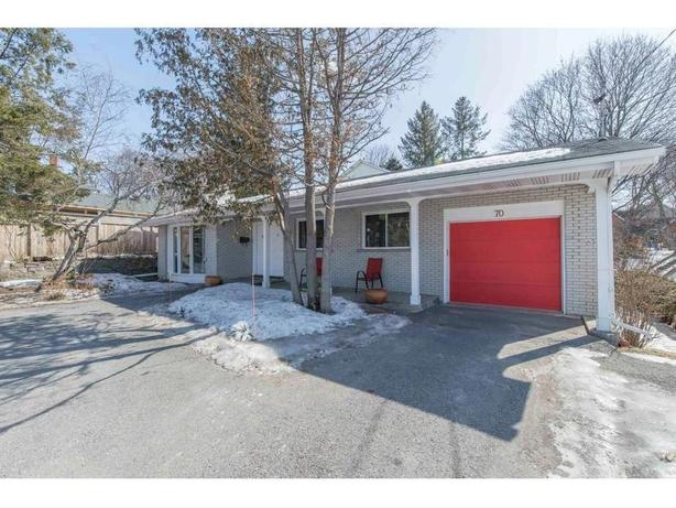 Large Home on Big Lot next to Riverside Hospital/ A Must see