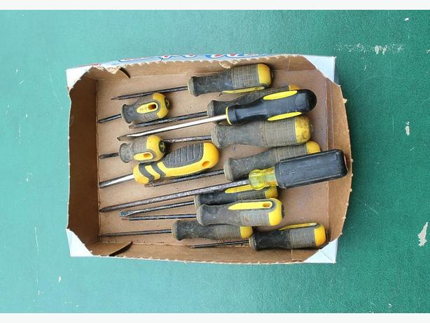 Box Lot of Screw Drivers