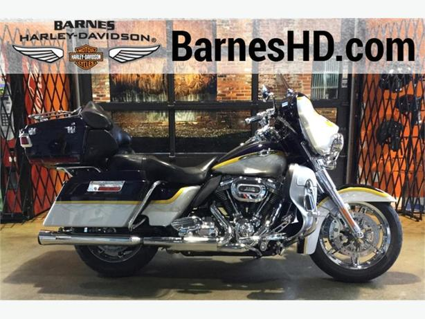 2012 Harley-Davidson® FLHTCUSE7 - CVO™ Ultra Classic® Electra Glide®