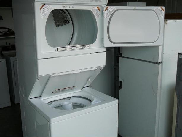 Excellent Used 1 Piece Stackable Washer Amp Dryer Unit