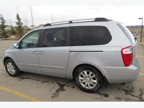 2006 KIA Sedona EX - Loaded PRICE REDUCED!