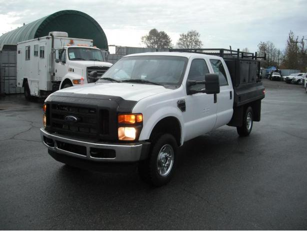 2008 Ford F-350 SD XL Crew Cab Flat Deck Service Truck 4WD