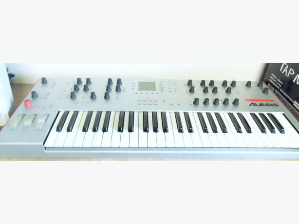 Alesis Ion Synthesizer