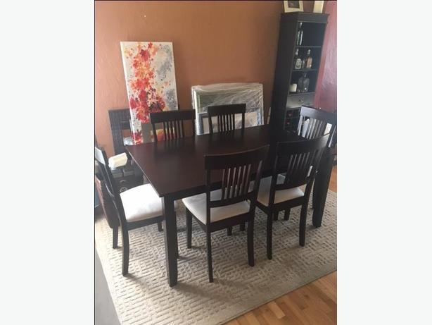 Dining room table and 6 chairs victoria city victoria for Non traditional dining room chairs
