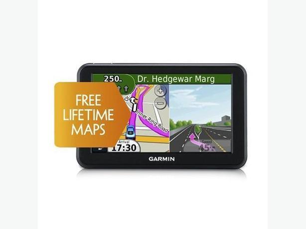 Garmin Nuvi 50LM GPS - 5 inch screen & Free Lifetime Map Updates on