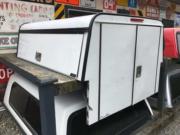 Tradesman Canopy for Mazda B Series or Ford Ranger & Tradesman Canopy for Mazda B Series or Ford Ranger Outside ...