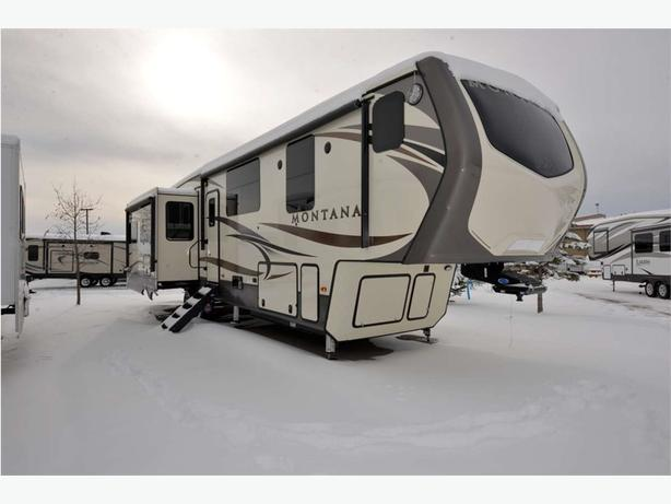 2017 KEYSTONE RV Montana 3810MS