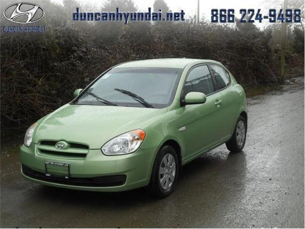2010 Hyundai Accent L  Manual,Fully Safetied, Great on Gas!