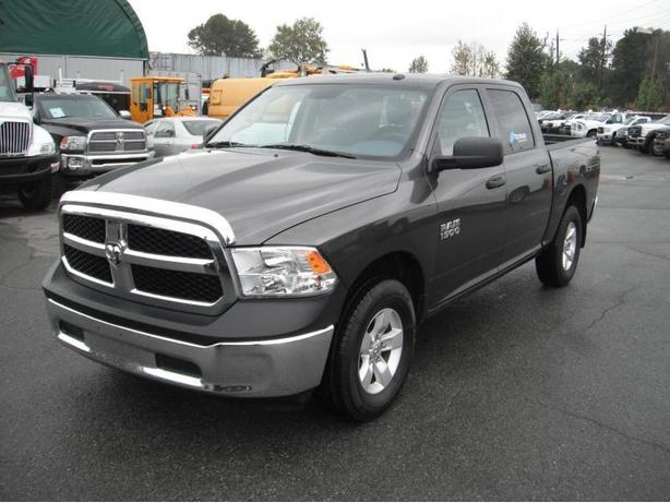 2015 Dodge Ram 1500 SXT Crew Cab Short Box 4WD