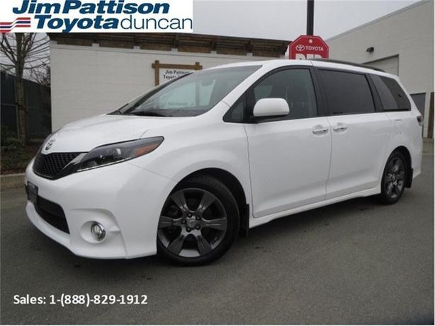 2015 Toyota Sienna SE  Tech Pkg *PRICE DROP*
