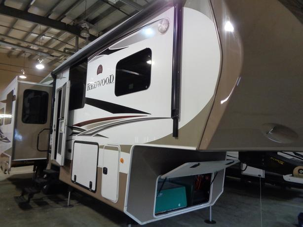 2013 REDWOOD RV RW31SL Deluxe 5th Wheel Trailer