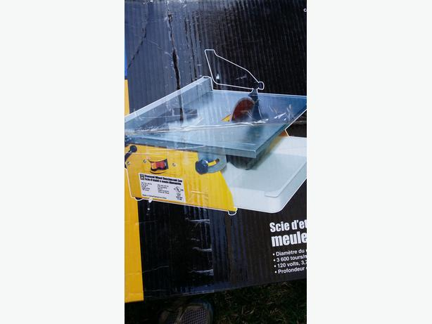 Table saw portable Mastercraft
