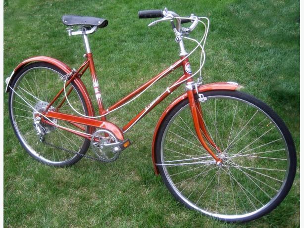 Vintage Polish Ladies Bicycle ~ Free Spirit