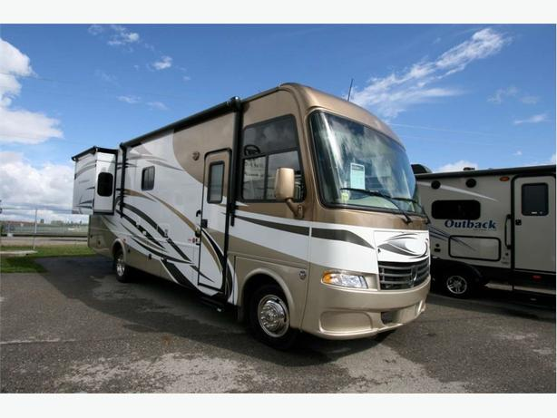2014 THOR MOTORIZED DAYBREAK 28PD
