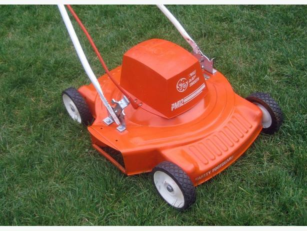 Electric Lawnmower ~ Vintage Sunbeam