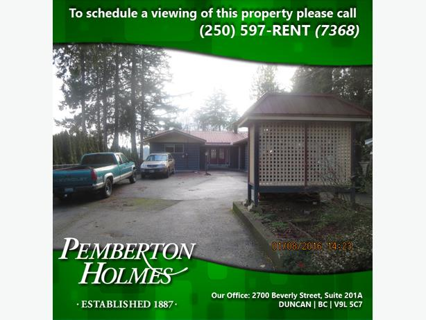 Large Home with Private Dock on Fuller Lake in Chemainus