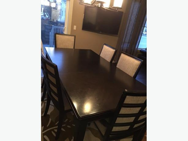 7 piece dining set - good as new - Very good quality