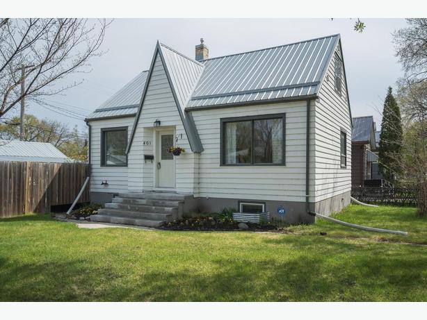 Spacious Starter Home in East Transcona - Jennifer Queen