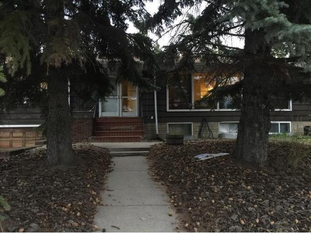 One Bedroom - 5 Minutes Walk from UofA and LRT - Fully Furnished