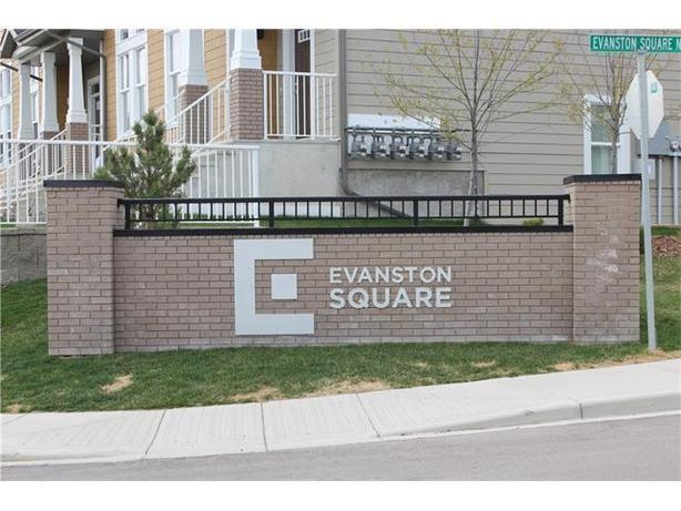 **Amazing Condo**Beautiful CORNER Unit and Great Views**