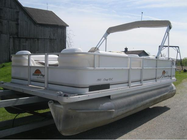 2006 Sunset Bay 19' Pontoon Boat w/25hp Mercury 2006 4 Stroke