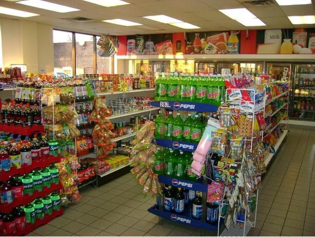 REDUCED PRICE! DKP-0001 Depanneur for sale in Anjou