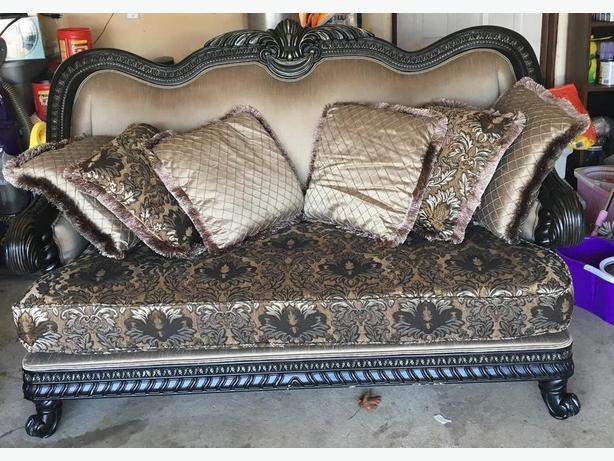 Traditional Full Set of Sofa