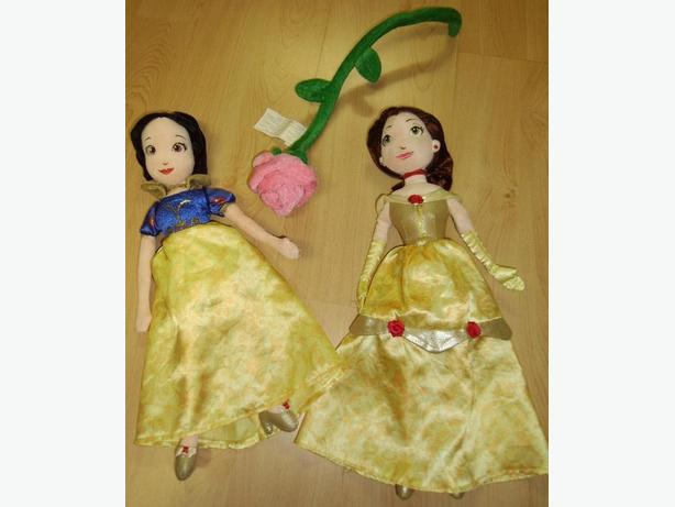 Bell and Snow White Stuffed Dolls with flower