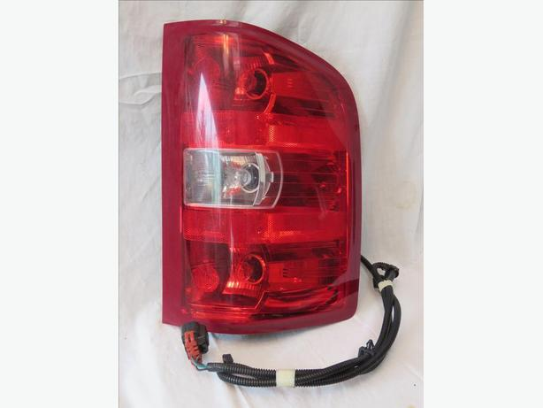 GM Trucks right  Tail light