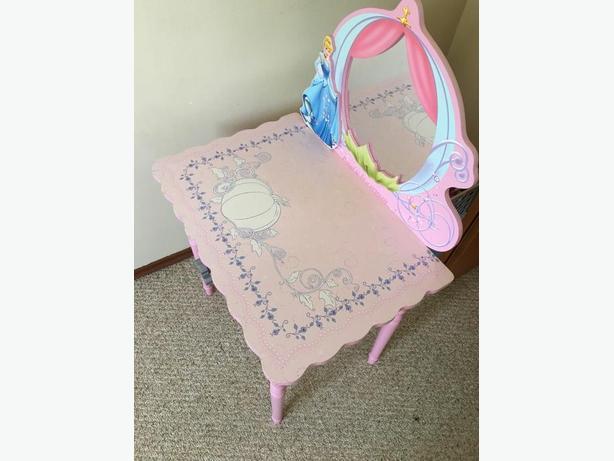 princess desk
