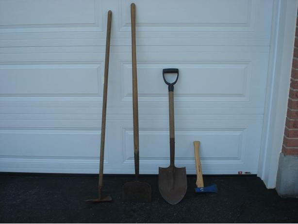 Garden tools orleans ottawa for Gardening tools required