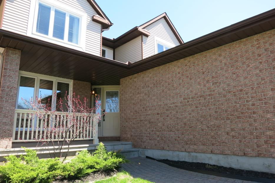 Renovated turn key home located in orleans 39 most desirable for Garage ad orleans