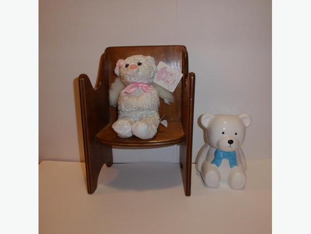 TOY DOLL CHAIR WITH GANZ 'ANGEL'BEAR' & TEDDY BEAR BANK -- MINT CONDITIION